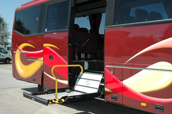 voyage laperuta location bus et coach napoli vient le partage de bus pour les personnes. Black Bedroom Furniture Sets. Home Design Ideas